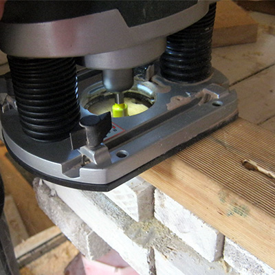 router cutting joint