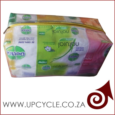 dettol-soap-makeup-bag