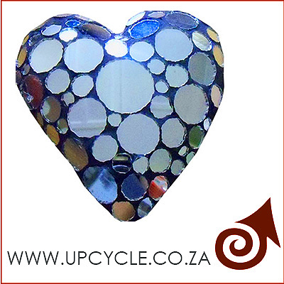 complete mosaic heart upcycle bkgrnd